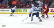 NHL – Great Hand Eye Ices Game for Canucks – 4-10-2013